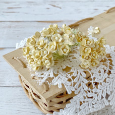 Цветок вишни мини, 1 см., светло-жёлтый