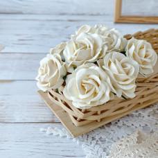 Роза maxi с закруглёнными лепестками, 4 см., молочная