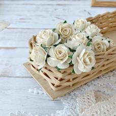 Роза, 2,5 см., молочная