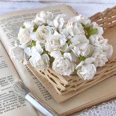 Роза кудрявая, 3 см., белый цвет