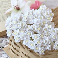 Цветок вишни мини, 1 см., белый цвет