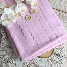 Ткань шеврон на розовом фоне