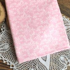 Ткань розы на бледно-розовом фоне