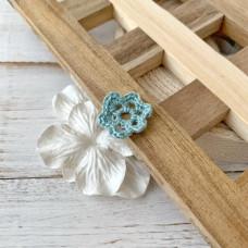 Цветок маленький мятно-голубой, 2 см.