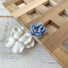Цветок маленький трёхслойный голубой, 2,5 см.